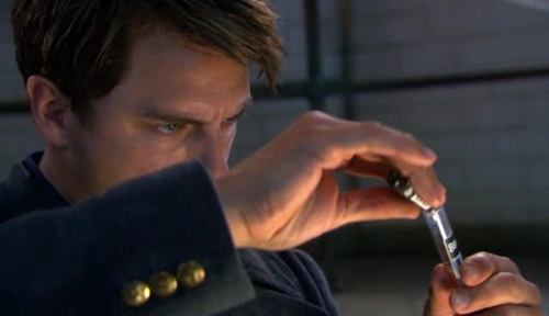 Kiss Kiss Bang Bang - torchwood Screencap