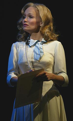 Kristen as Glinda