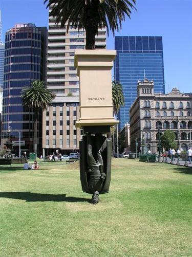 La Trobe Statue