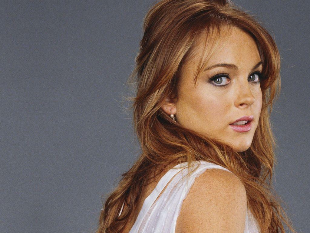 Video Porno de Lindsay Lohan - Mamando Polla -