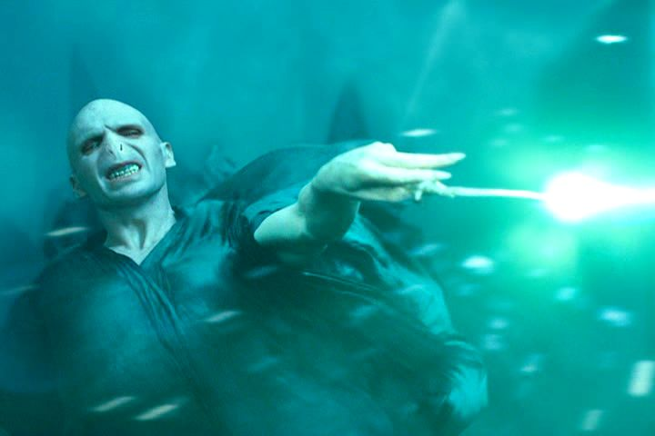 Lord voldemort lord voldemort photo 542268 fanpop for Espejo harry potter