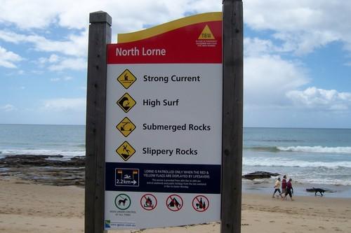 Lorne pantai sign