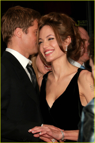 Love keeps growing - brangelina Photo