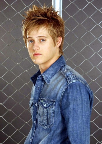 Lucas Grabeel wallpaper called Lucas Grabeel