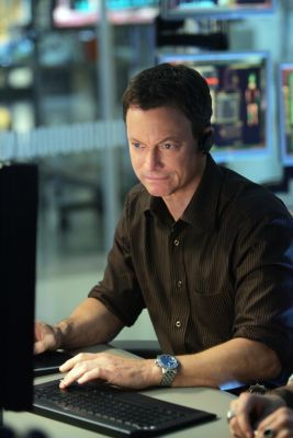 CSI:NY wolpeyper entitled Mac Taylor