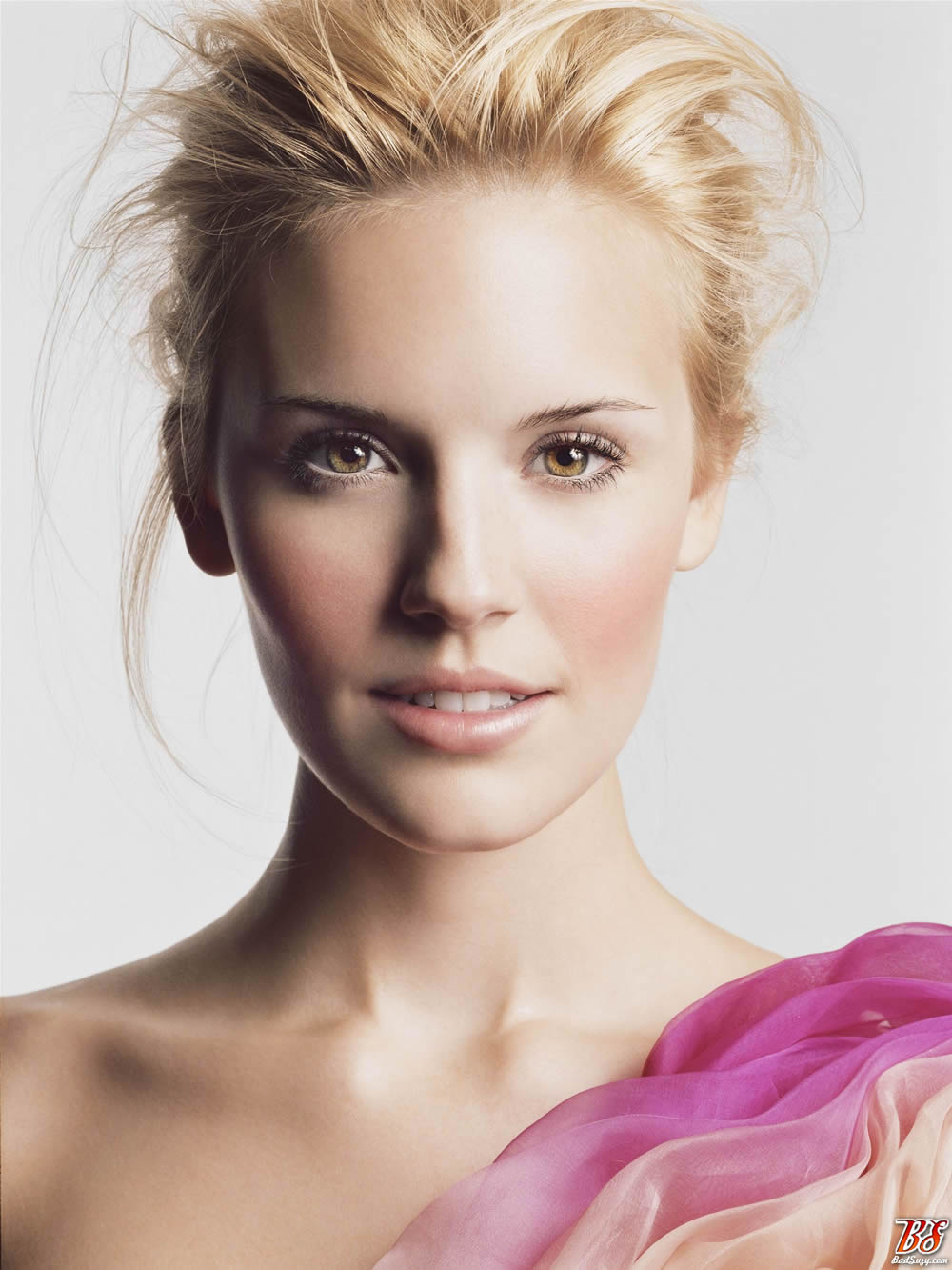Maggie Grace - Images Colection