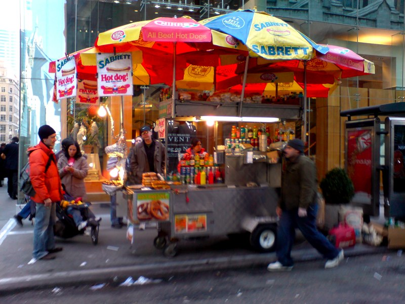 http://images.fanpop.com/images/image_uploads/Manhattan-hot-dog-stand-travel-461246_800_600.jpg