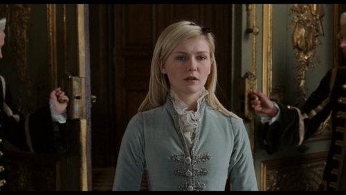 Kirsten Dunst kertas dinding titled Marie Antoinette