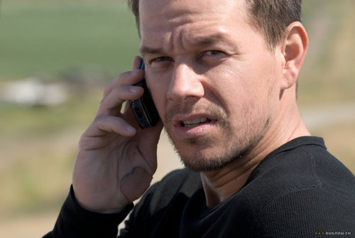 Mark Wahlberg fondo de pantalla titled Mark Wahlberg - Shooter