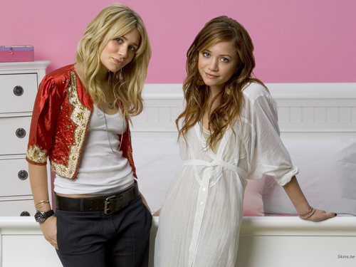 Mary-Kate & Ashley Olsen wallpaper entitled Mary-Kate & Ashley