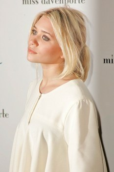 Mary-Kate & Ashley Olsen wallpaper entitled Mary-Kate & Ashley