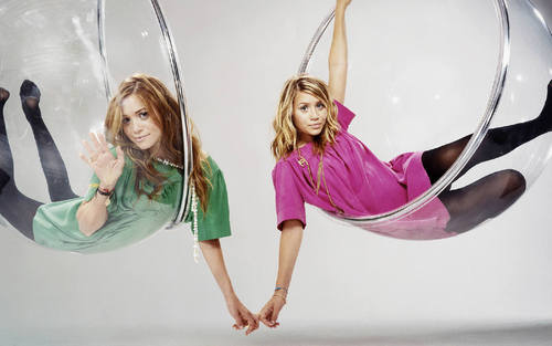 Mary-Kate & Ashley Olsen 壁纸 called Mary-Kate & Ashley