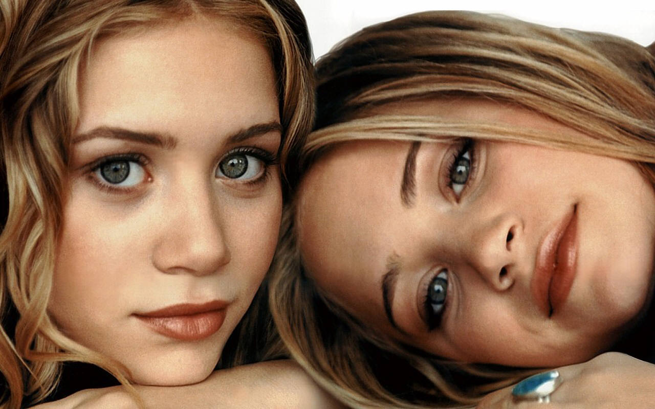 Mary kate and ashley olsen boob