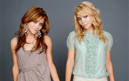 Mary-Kate & Ashley - mary-kate-and-ashley-olsen Wallpaper