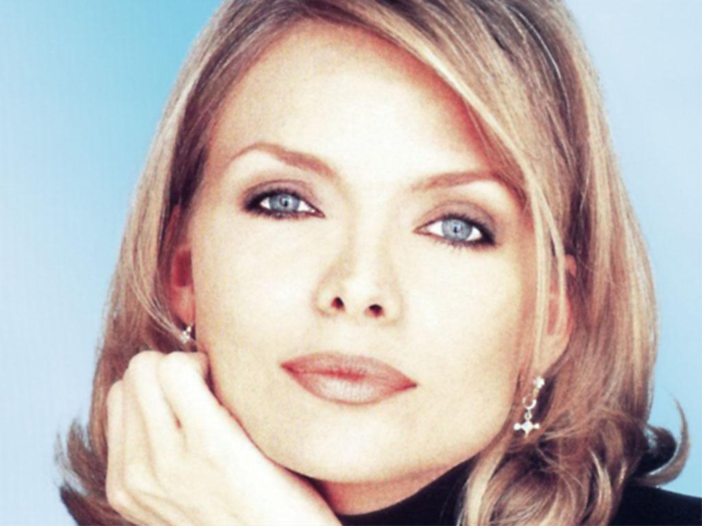 Michelle Pfeiffer - Michelle Pfeiffer Wallpaper (215564) - Fanpop
