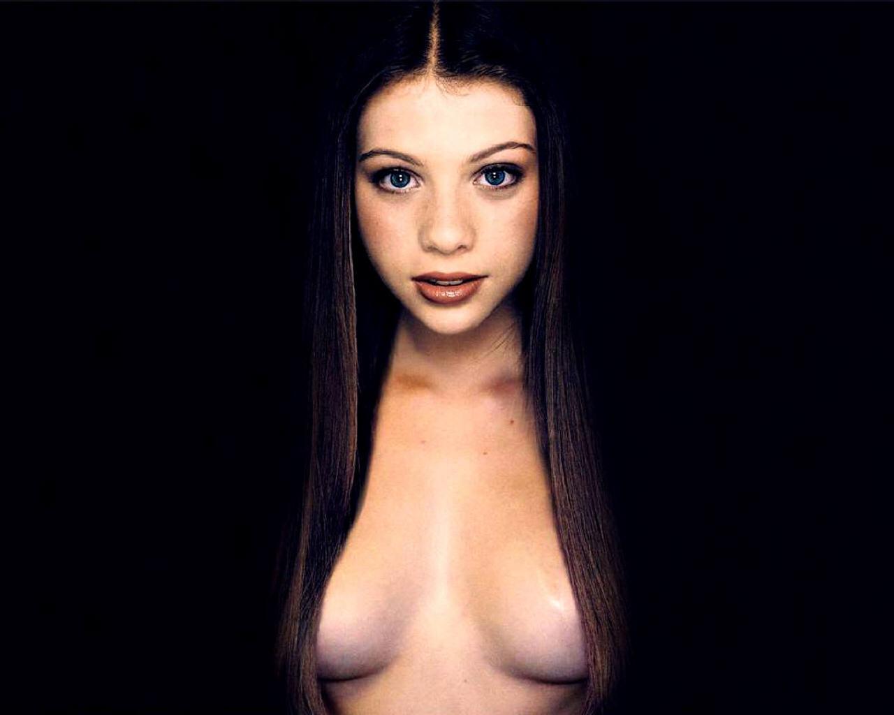 Michelle trachtenberg boobs