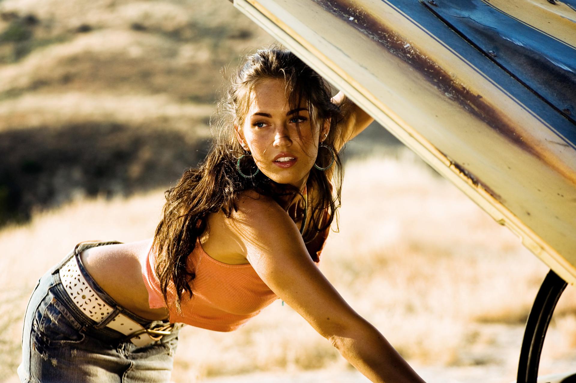 Mikaela Banes played oleh Megan rubah, fox