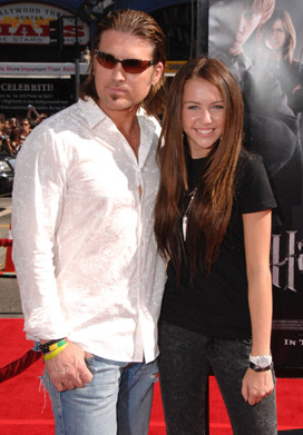Miley Cyrus wallpaper called Miley + Billy Ray Cyrus