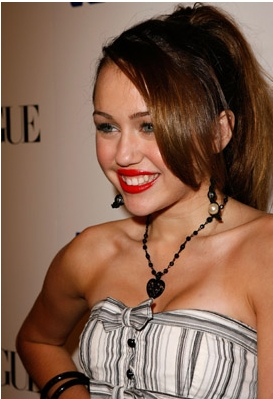 Miley Red Lipstick - miley-cyrus Photo