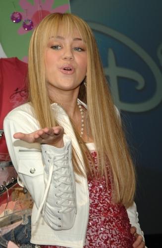 Miley as Hannah