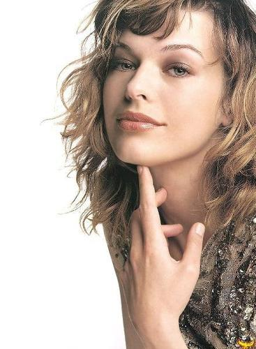Milla Jovovich پیپر وال called Milla Jovovich