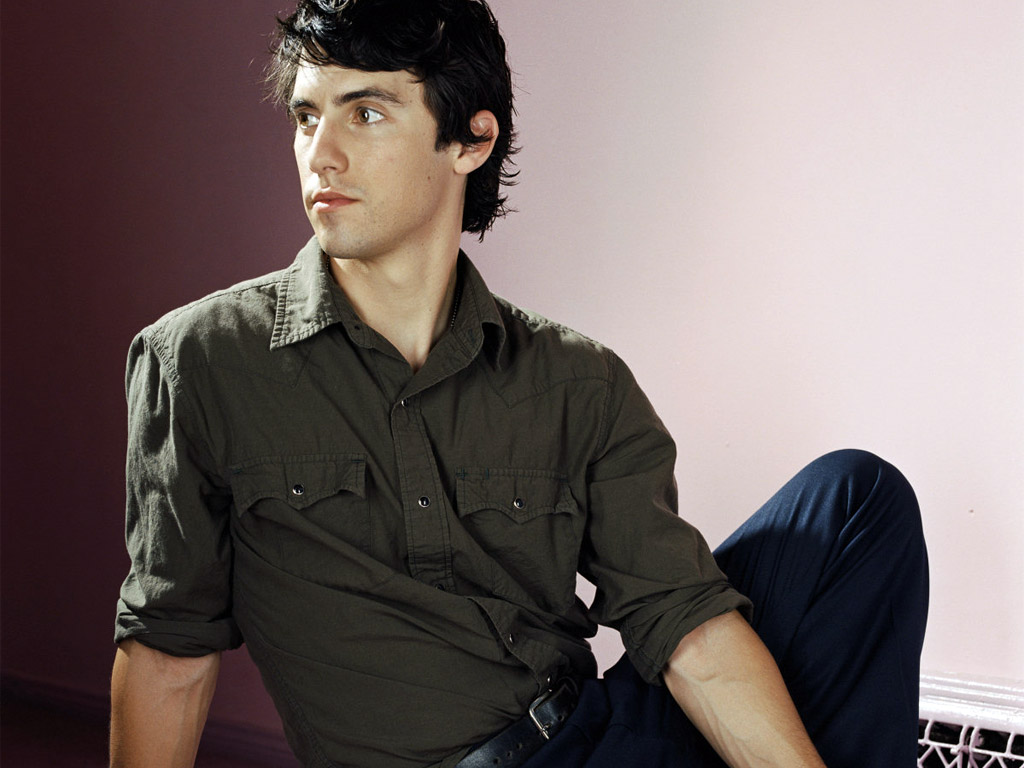 Milo - Milo Ventimiglia Wallpaper  134904  - Fanpop