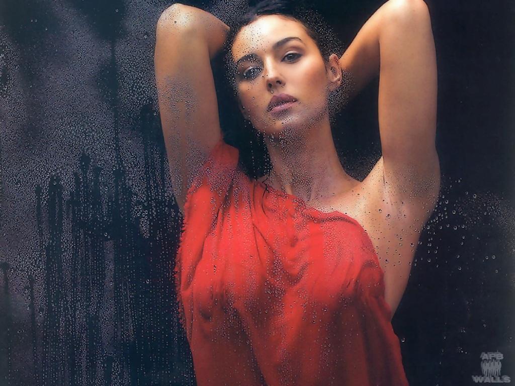 Monica Bellucci - Moni...