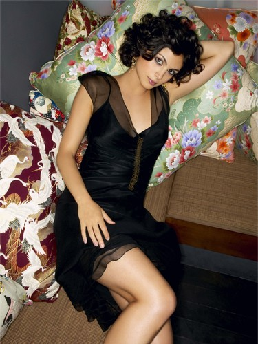 Morena Baccarin - firefly Photo