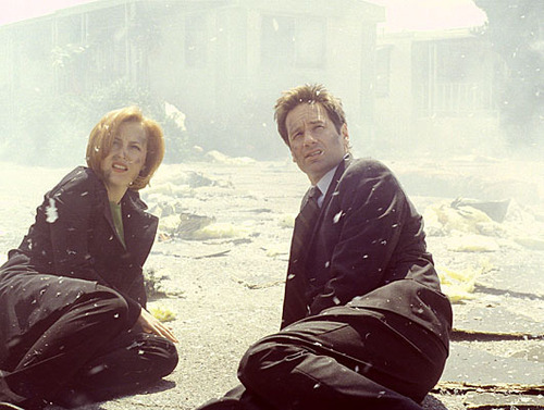 The X-Files wallpaper titled Mulder and Scully