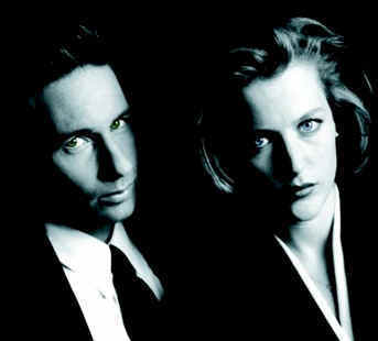 The X-Files দেওয়ালপত্র called Mulder and Scully