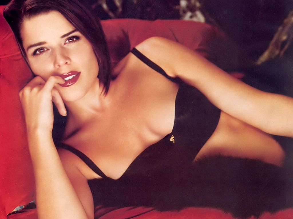 Porn neve campbell nude fakes