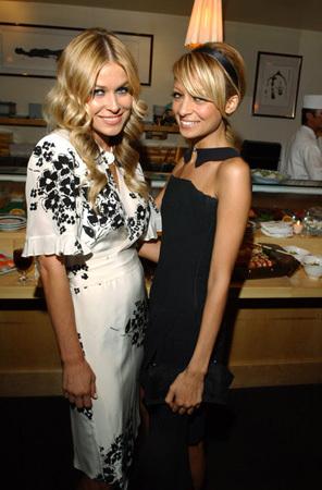 Nicole & Carmen Electra