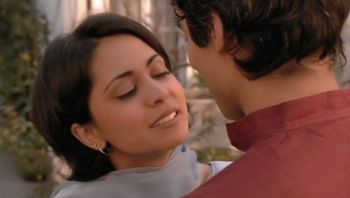 Parminder Nagra wolpeyper called Parminder in segundo Generation