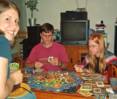 People playing Settler