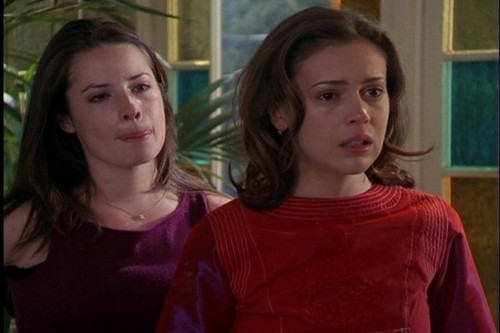 http://images.fanpop.com/images/image_uploads/Phoebe-and-Piper-charmed-631598_500_333.jpg