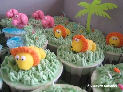 Pink Elephants and Lions - cupcakes Photo