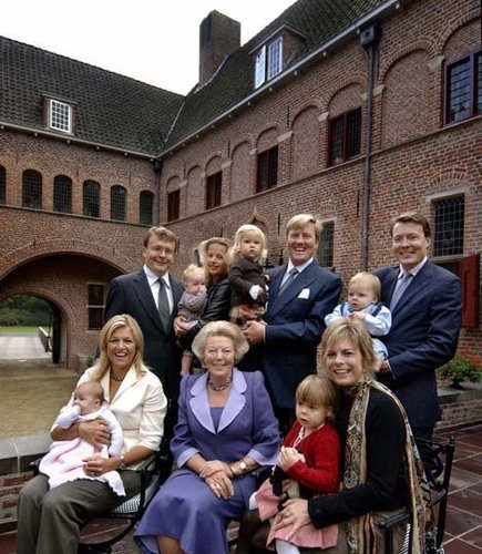 Queen and family