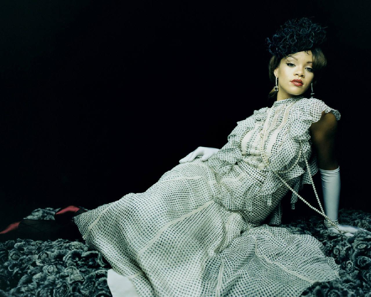 http://images.fanpop.com/images/image_uploads/Rihanna-rihanna-166368_1280_1024.jpg