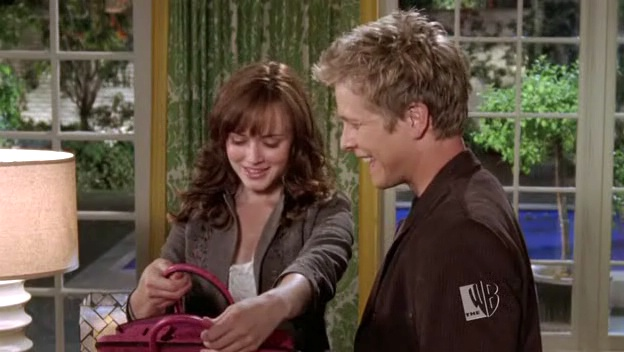 gilmore girls rory and logan meet Who will succeed in winning her back in gilmore girls: a toss-up between team jess and team logan discounting the idea that rory will meet and fall in.