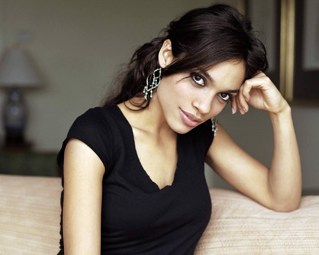 Rosario Dawson - Rosar... Rosario Dawson