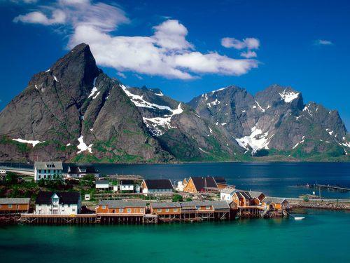 Sakrisoy Lofoten Islands