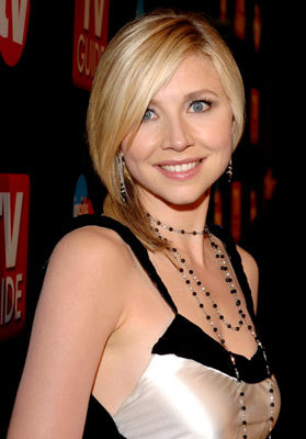 Sarah Chalke wallpaper entitled Sarah Chalke