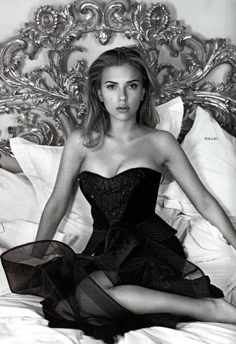 Scarlett in Vogue UK, 2006