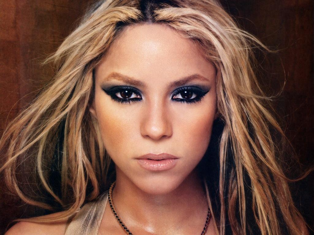 Shakira - Shakira Wall... Shakira
