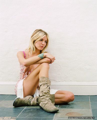sienna miller wallpaper called Sienna
