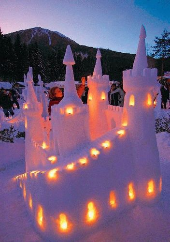 Snow castillo