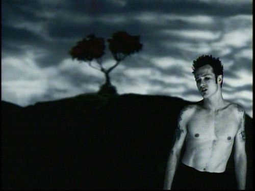 Stone Temple Pilots - Sour Girl (music video) - YouTube