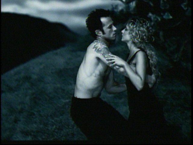 Stone Temple Pilots: Sour Girl (2000) - IMDb