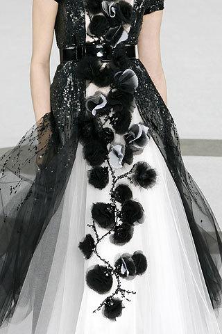 Spr 07 Couture: Details