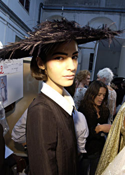 Spring 2005 Couture: Backstage